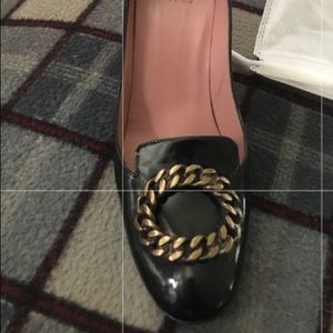 So 39 1/2 Authentic Moschino Shoes With Beautiful